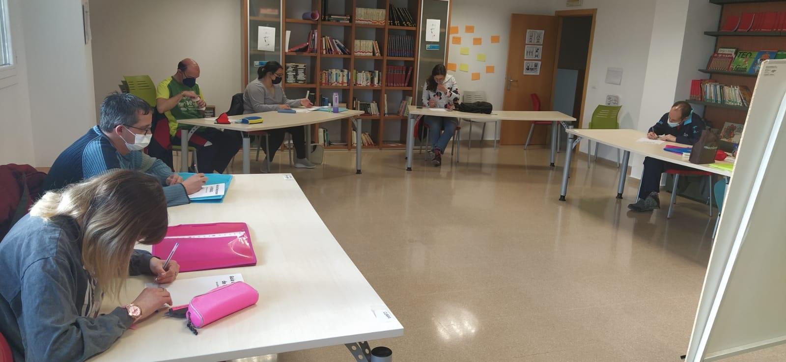 Alumnado de ATADI finaliza el curso más especial de Educación de Adultos