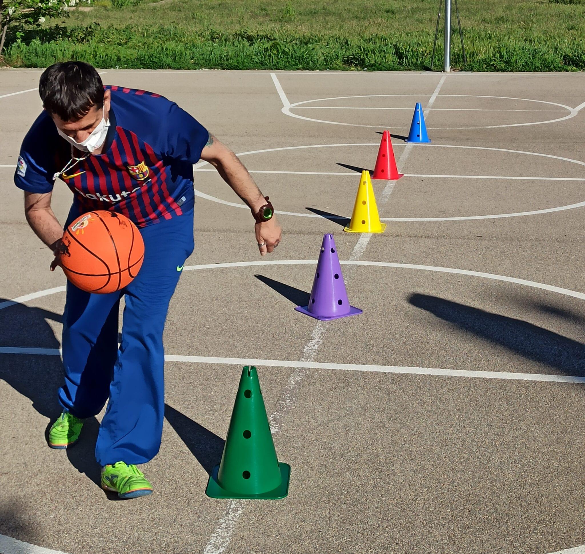 Los usuarios de ATADI practican deporte con el apoyo de Special Olympics Aragón