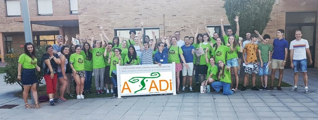 Participantes en Campo de Voluntariado Juvenil ATADI Alcorisa