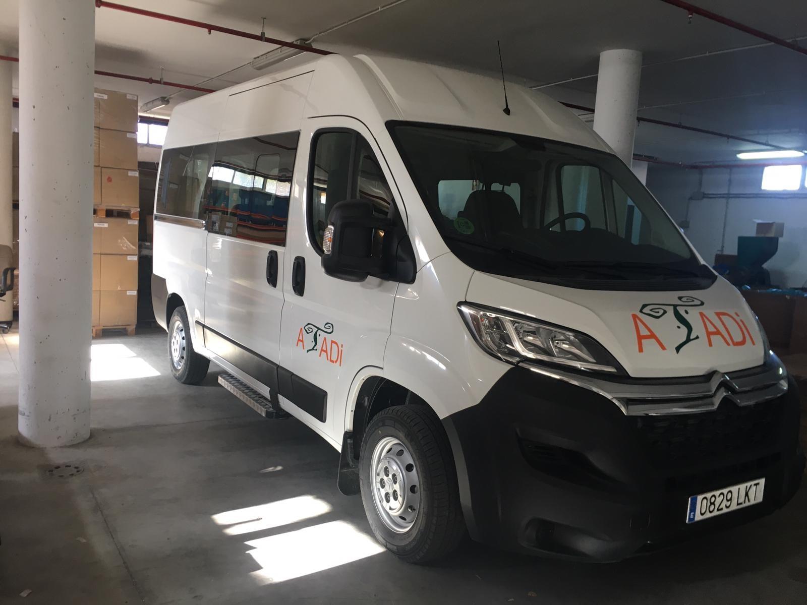 ATADI Jiloca cuenta con una nueva furgoneta adaptada para trasladar a personas con discapacidad